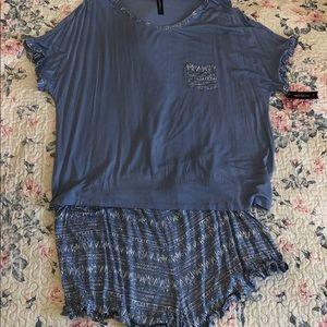 Comfort sleepwear Ruffled Tee Shorts pajama set